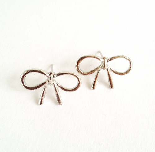 Dainty Silver Bow Earrings - available @ yesmissy.etsy.com