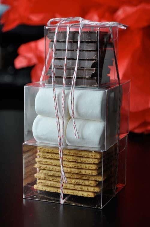 12 Handmade Gift Ideas Everyone Will Love - S'more kit