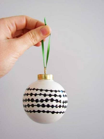 Easy Sharpie Christmas Ornaments