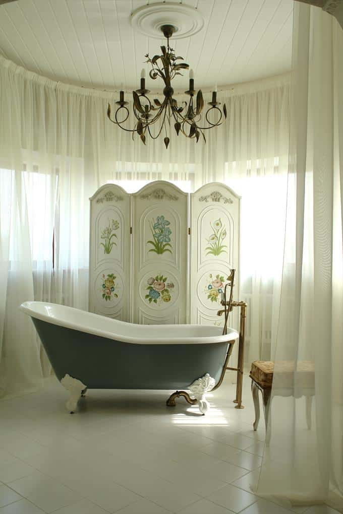 vintage bathroom with chandelier