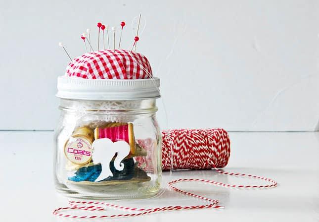 20 creative uses for mason jars - DIY sewing kit