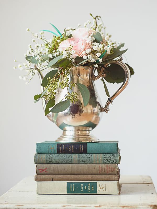 Wedding decor inspiration antique book centerpieces yes for Antique books for decoration