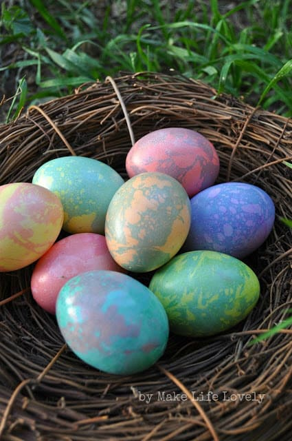 Create these stunning, yet easy marbled Easter eggs using supplies you already have! Make once, then reuse year after year.