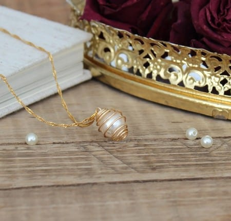 DIY caged pearl necklace