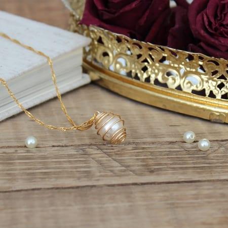 DIY caged pearl necklace