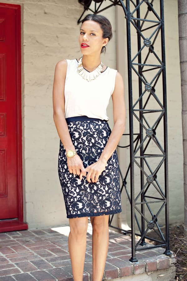 What's prettier than a lace pencil skirt? What a classic look!