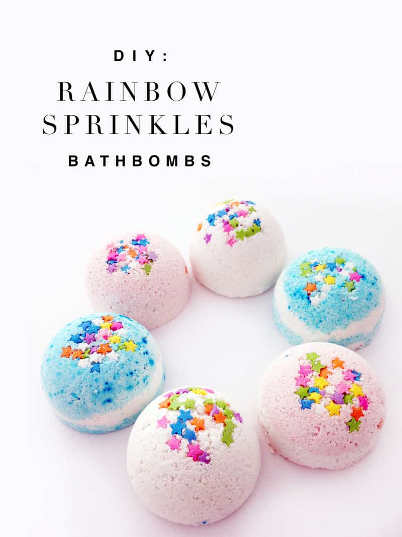 Making bath bombs is easier than baking cookies. An easy DIY tutorial to make DIY bath bombs