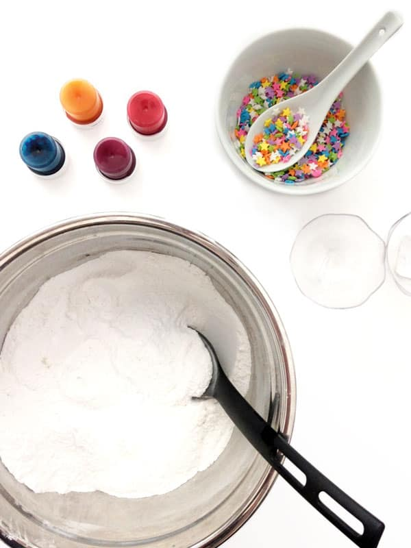 1mix dry ingredients - diy homade bathbombs
