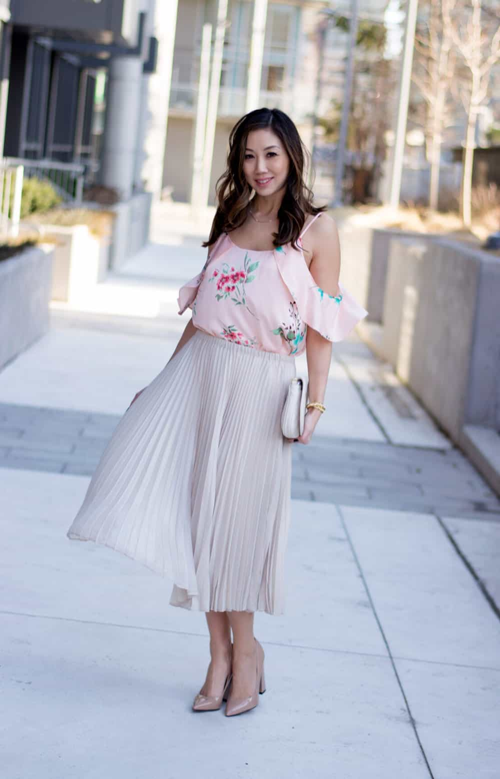 Summer Streetstyle: Pretty pleated skirt and floral print top from LC Lauren Conrad Dress Up Shop. Special occasion dressing like wedding guests, showers, birthday parties, engagement parties etc.