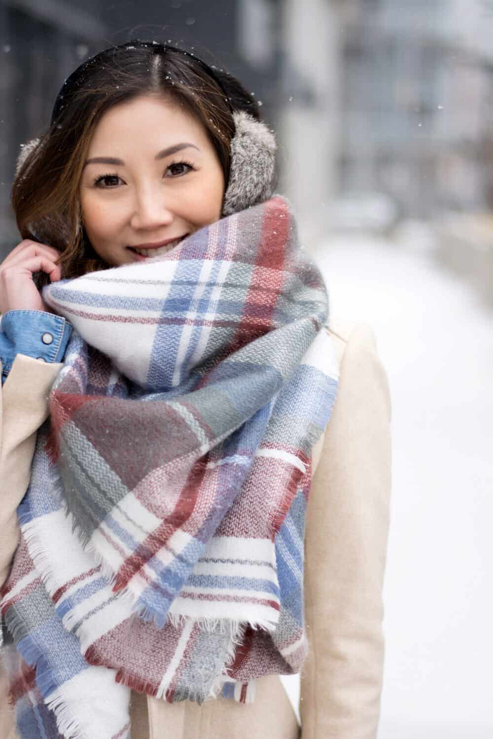 Love this plaid scarf, so cozy and colorful! Winter streetstyle OOTD