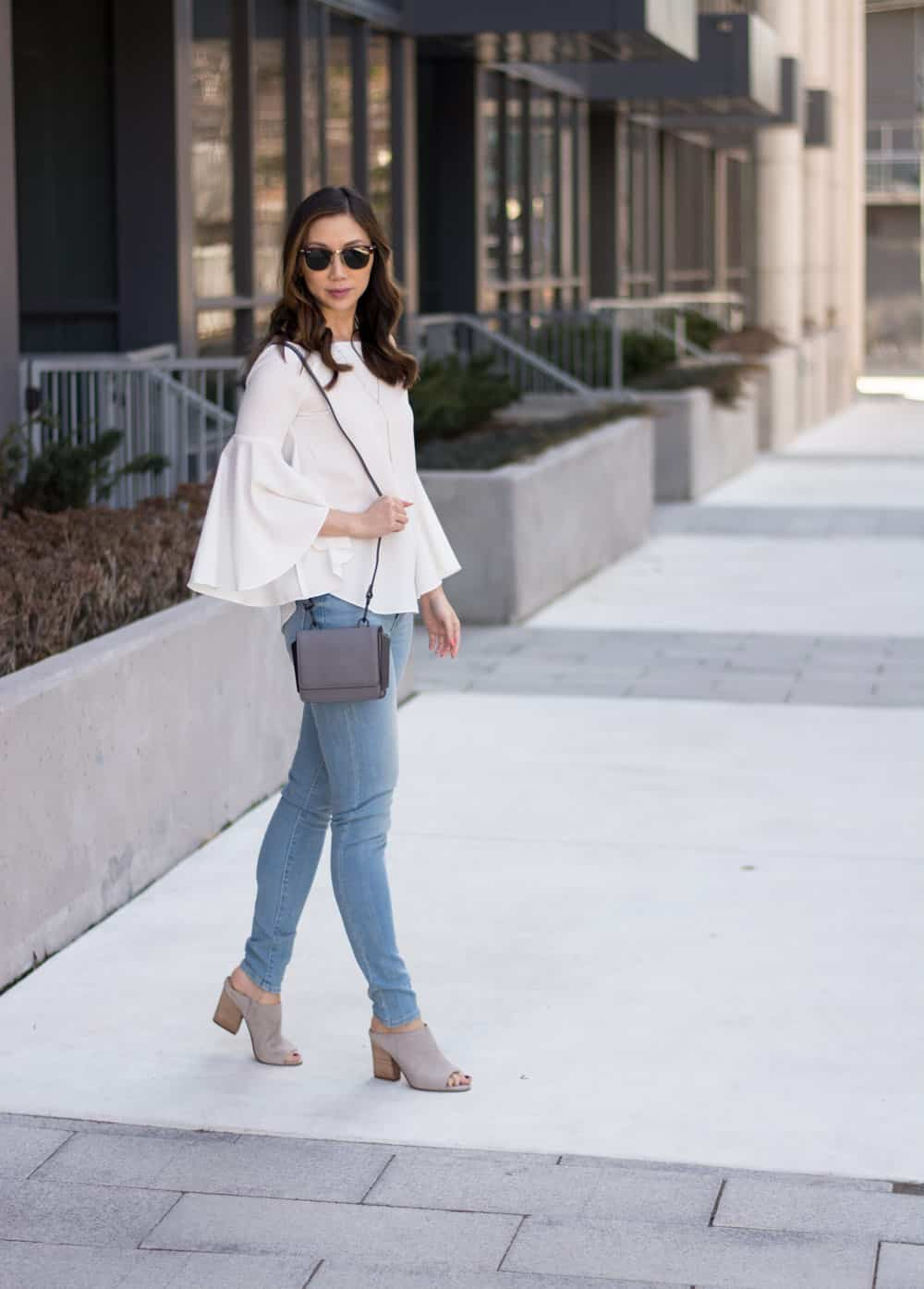 Summer look: Levis Mile High Jeans, bell-sleeve top, and Kendall + Kylie bag