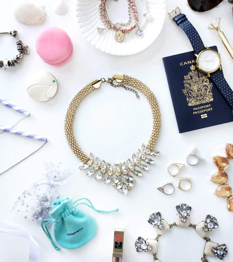 - When packing jewelry for travel, it's important to pack them the right way so they don't get tangled or damaged. Here are some of the best ways ..
