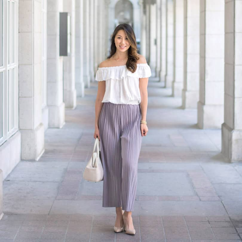 Summer streetstyle look with culottes and off the shoulder blouse