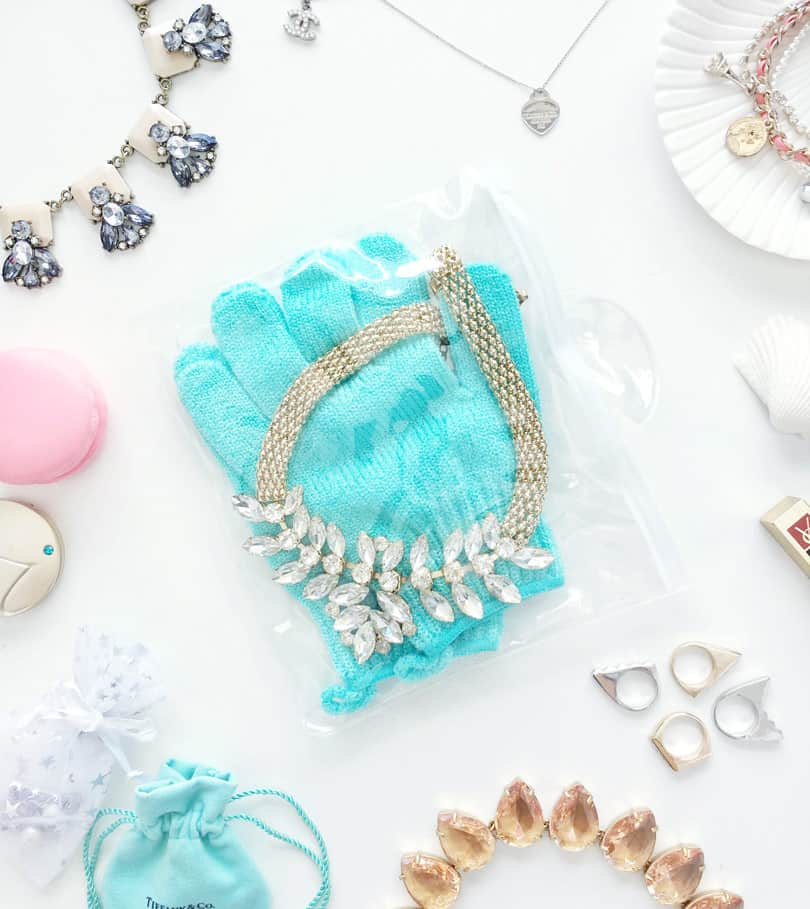Do's and Don'ts While Travelling with Jewelry