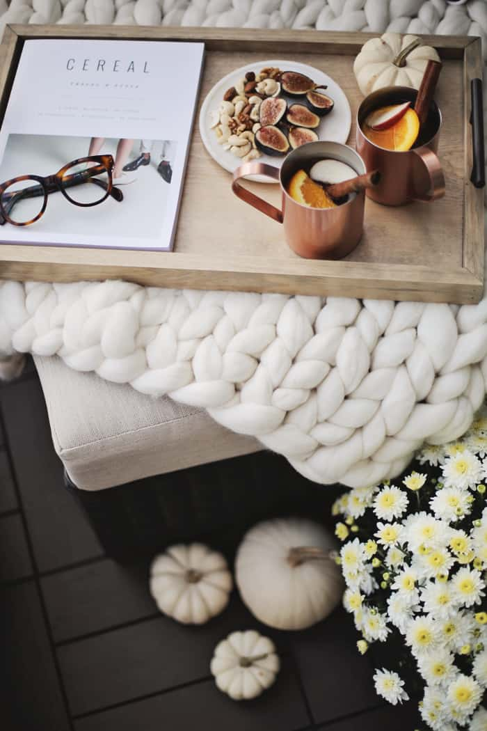 Fall details to decorate your home, candles, pumpkins and cute mugs all make...