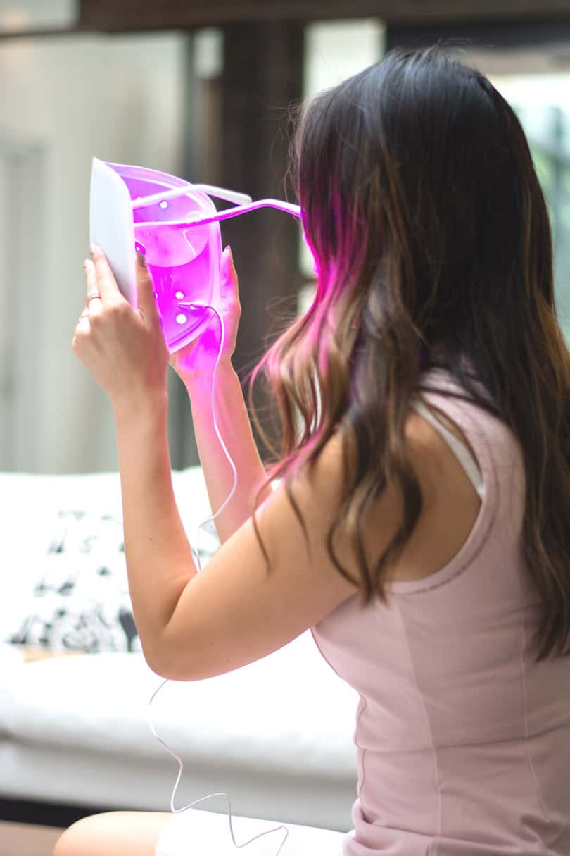 Beauty Blogger Review: Light Therapy Mask by Neutrogena