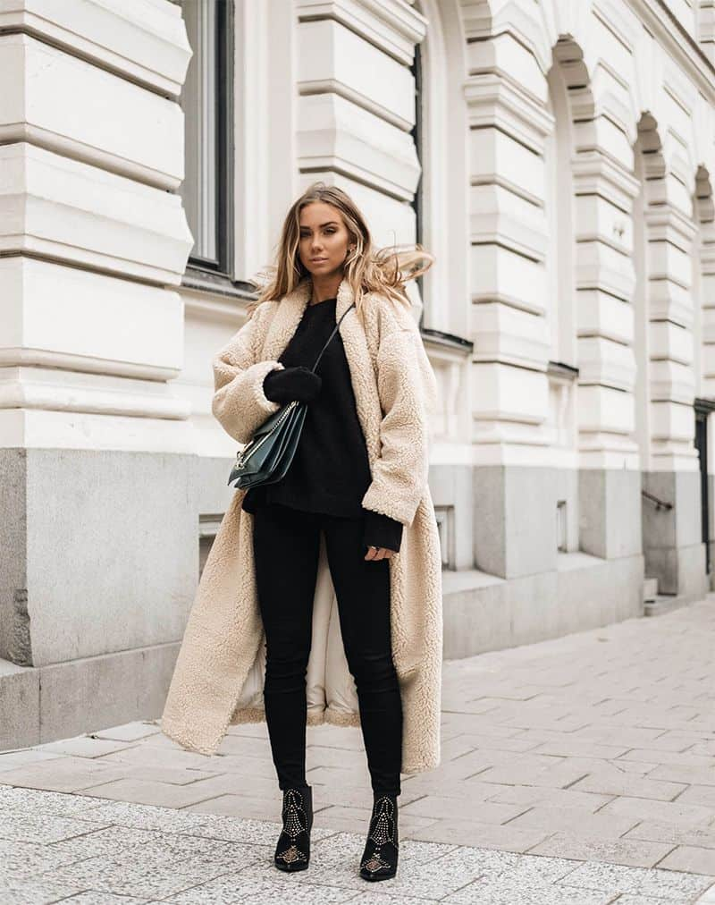 Love this furry coat! Style blogger Lisa Olsson