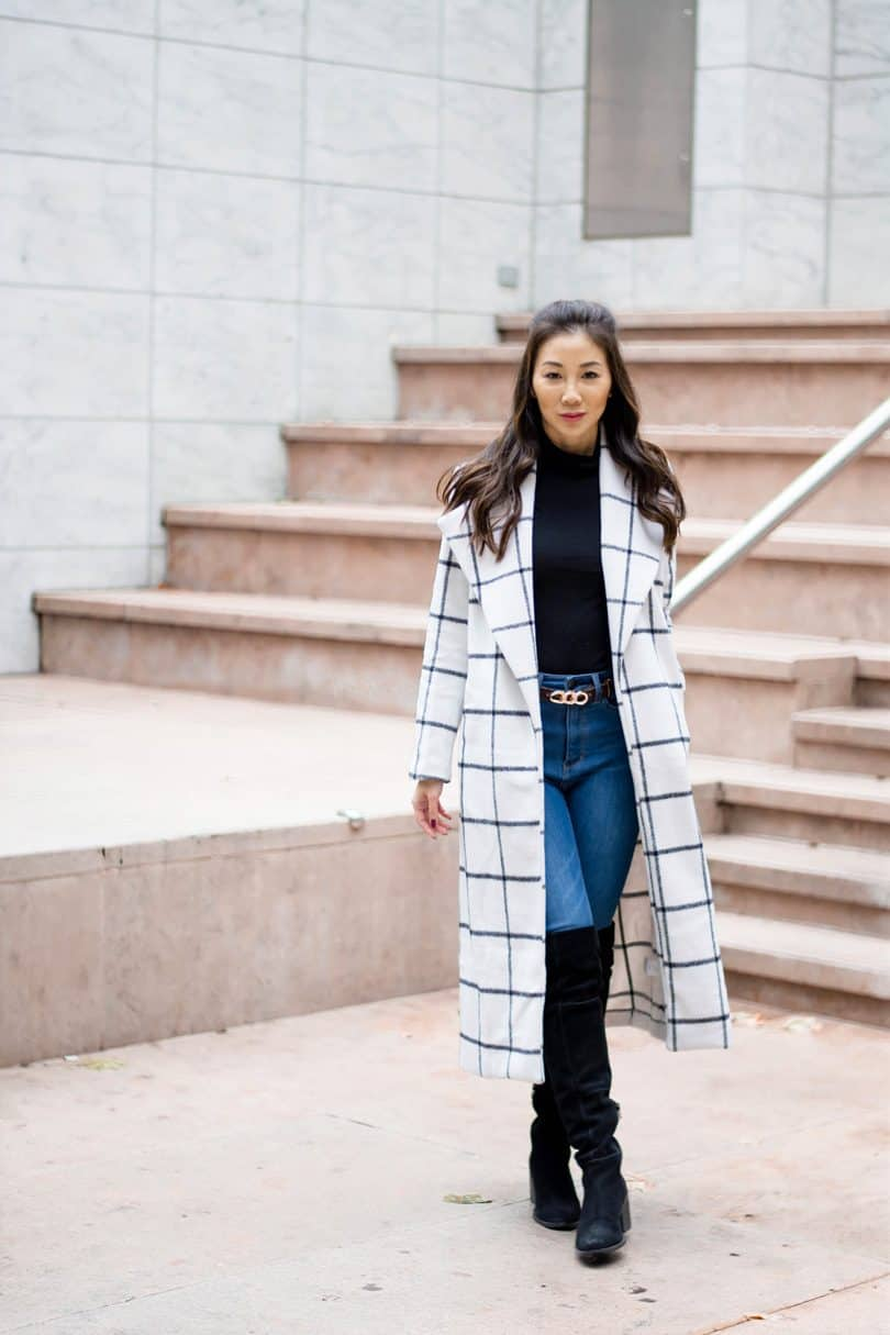 Dressing up in the Fall and Winter can feel like a major struggle. Do you opt for the puffy coat that's guaranteed to keep you warm or do you freeze just to show off...