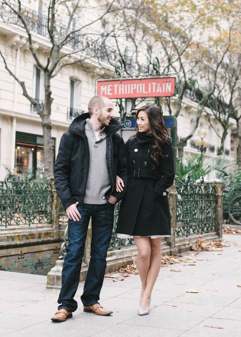 Paris engagement photos in the 1st Arr. So romantic!