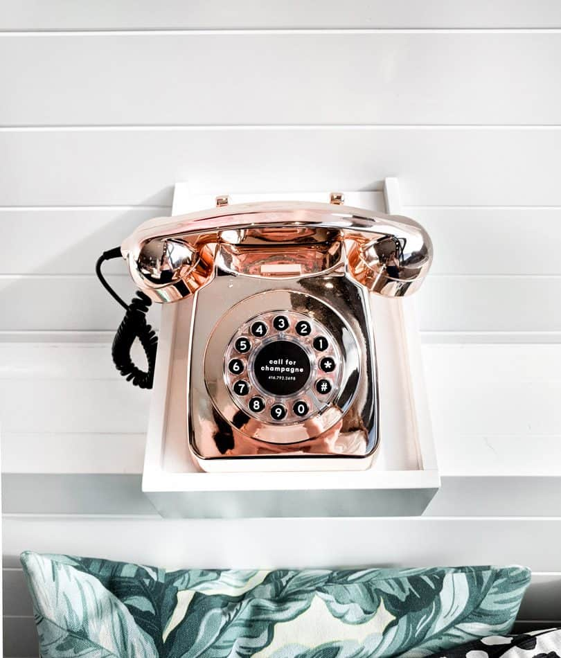 Such a cute rose gold phone! Wish I could have one in my home like this!