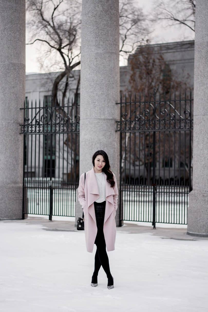 Winter streetstyle - Fashion blogger yesmissy - OOTD pink coat