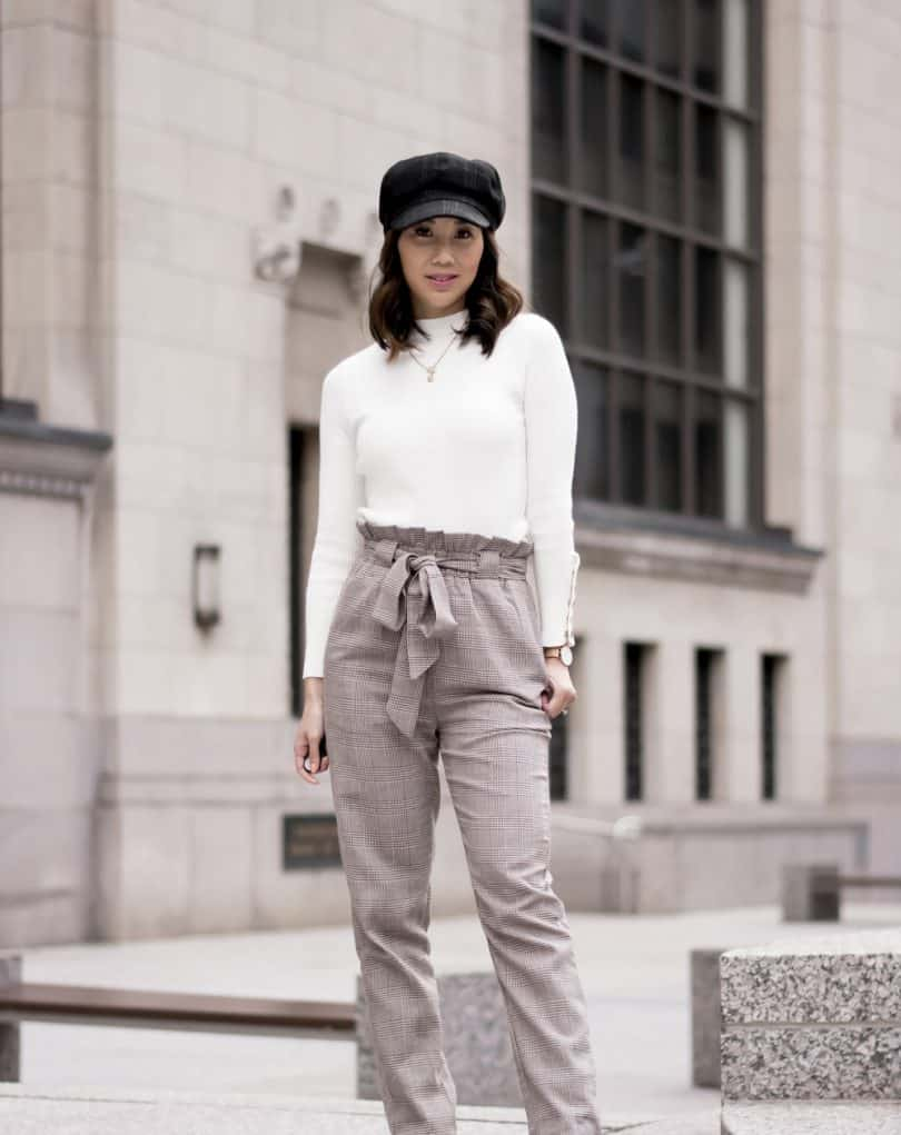 Streetstyle #OOTD: workwear look with plaid pants white sweater