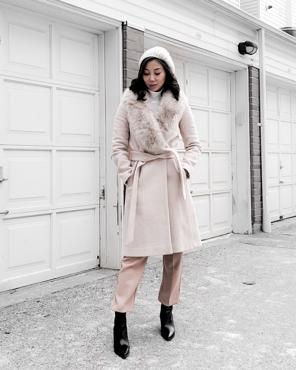 Winter Look - pink wool coat with fur trim