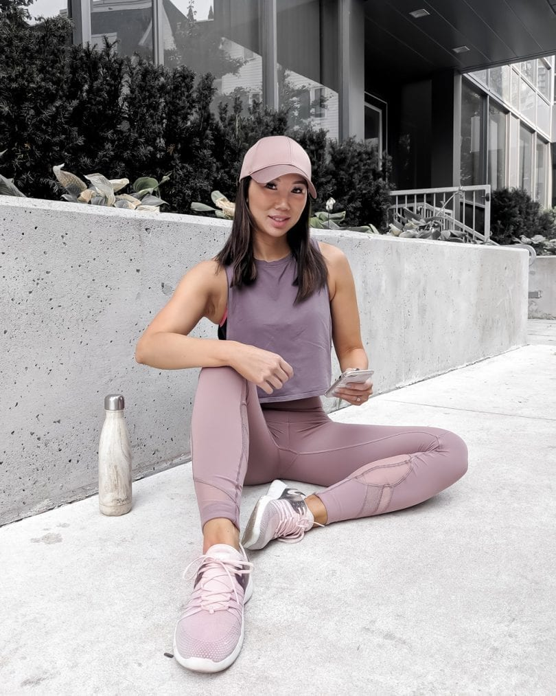 Sporty Outfit - pink and mauve yoga outfit from Lululemon