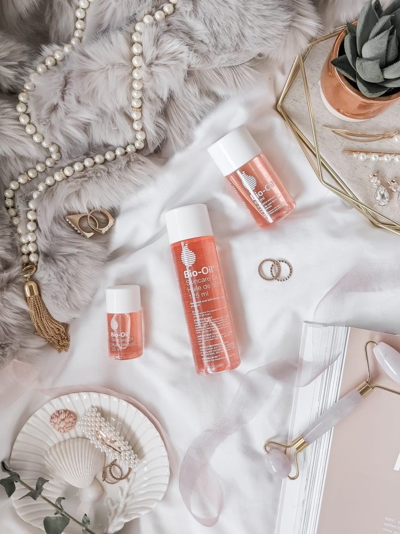 Bio-Oil has ingredients like Vitamin A and E to treat scars and stretch marks.