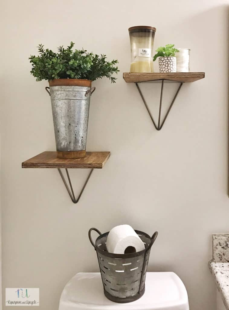 Build these easy modern geometric shelves to decorate your home.