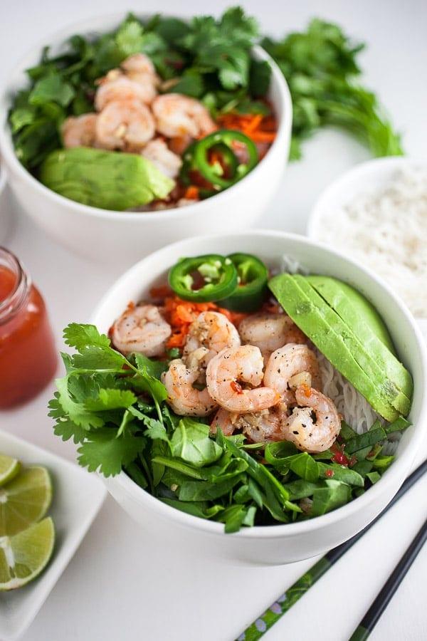 Spicy Vietnamese salad with garlic prawns