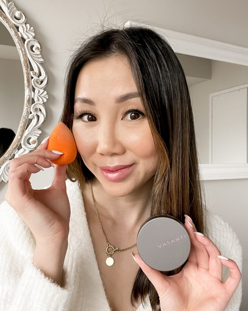Apply a setting powder will kept your makeup last and keep the area bright. More beauty tips at yesmissy.com