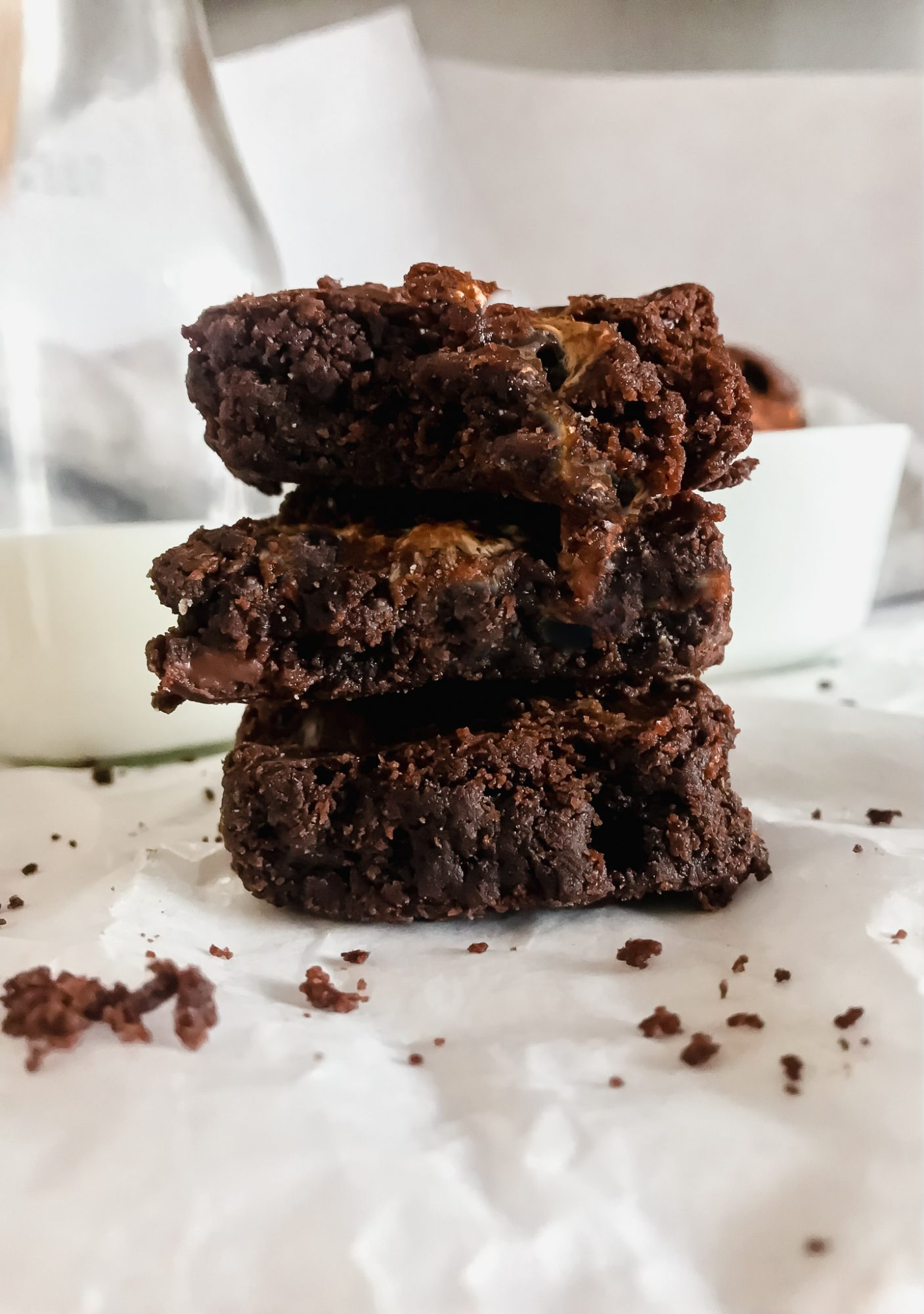 This easy dessert recipe is delicious and healthy! This avocado brownie recipe is packed with vitamins A, E, K, B, and healthy fatty acids. It tastes fudgey and delicious and you won't be able to even tell the difference! Get the full recipe at yesmissy.com