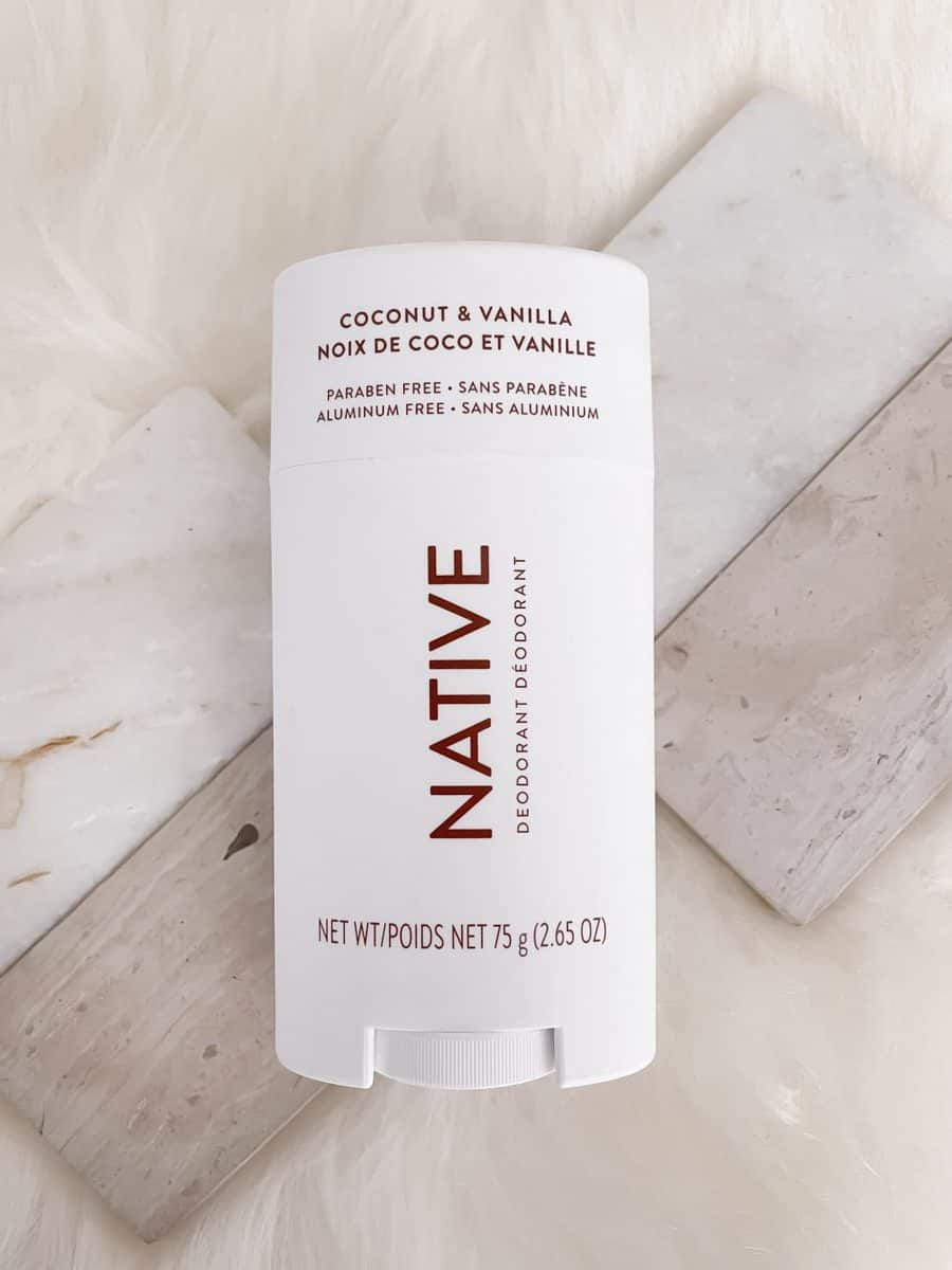 Best natural deodorant - Native Coconut and Vanilla Deodorant is effective and aluminum free! More clean beauty product reviews on yesmissy.com